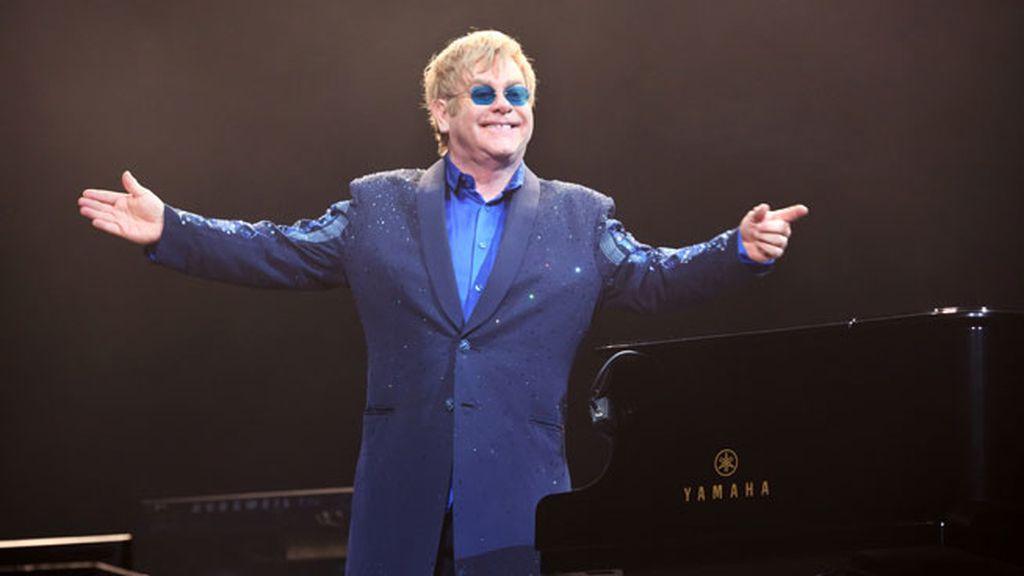 3. Elton John, 80 millones de dólares