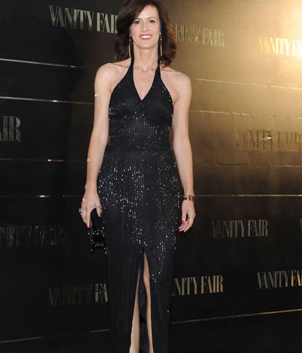 Nuria March, con un elegante vestido negro