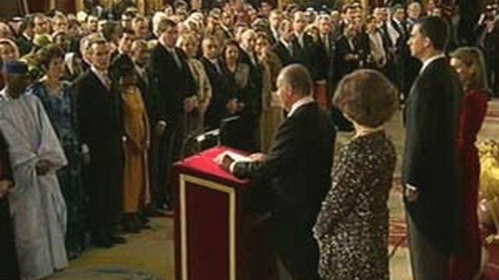 Los embajadores han sido recibidos por el Rey. Vídeo: ATLAS
