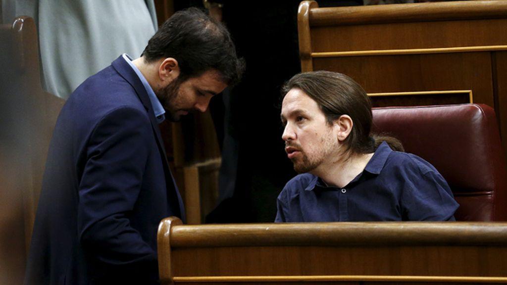 Alberto Garzón y Pablo Iglesias en el Congreso de lo Diputados