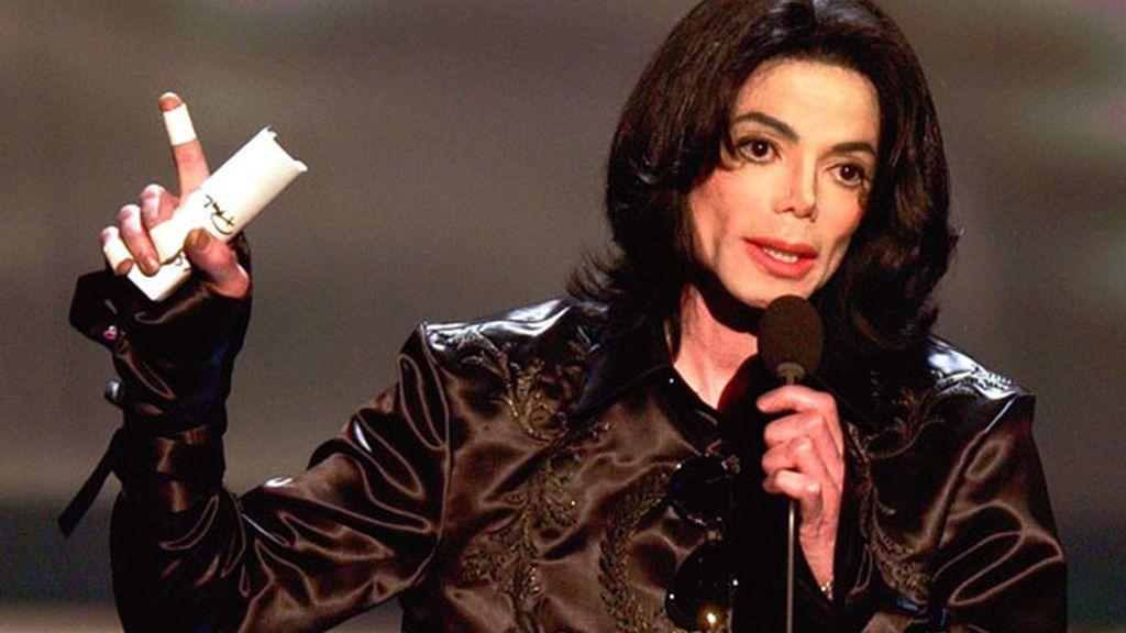 2. Michael Jackson ha ganado 25 millones menos que el año pasado