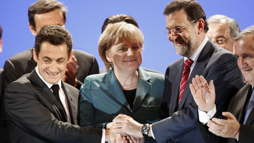 Imagen de archivo de Mariano Rajoy, Nicolas Sarkozy y Angela Merkel