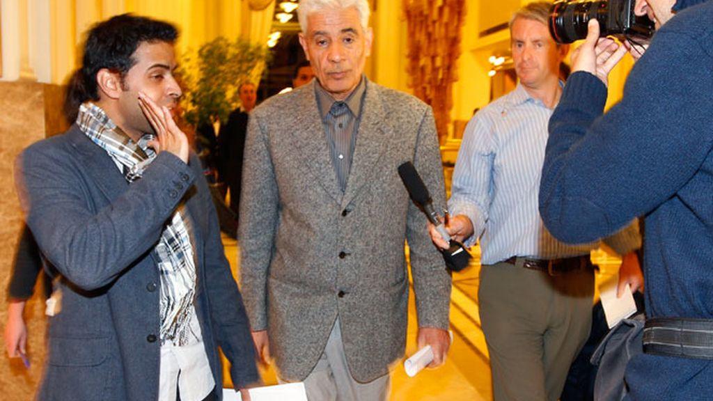 El ministro de exteriores de Gadafi huye a Londres