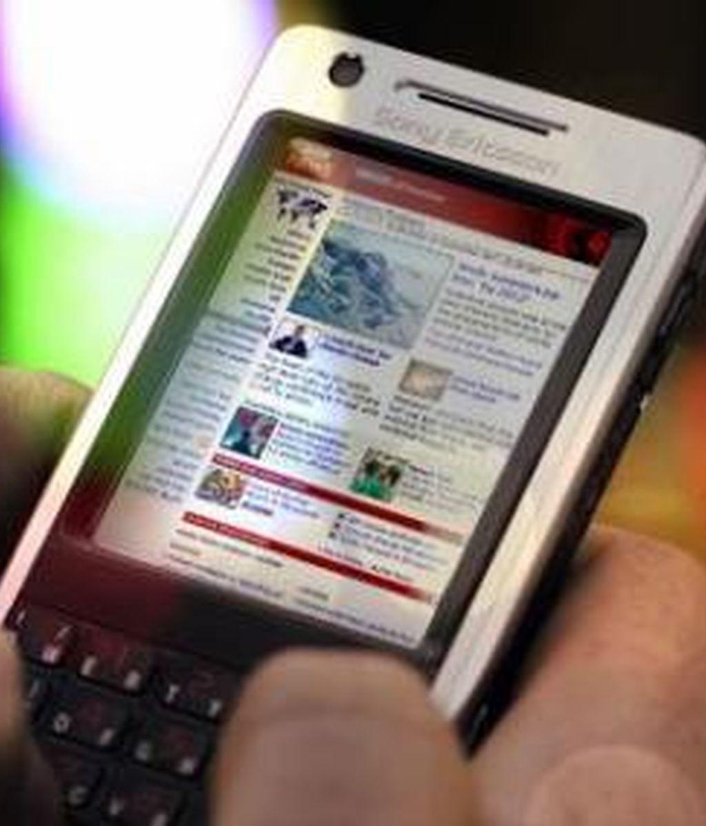 España se sitúa a la cabeza de esta tendencia en Europa, con el 33 por ciento de los españoles navegando en Internet desde su móvil.