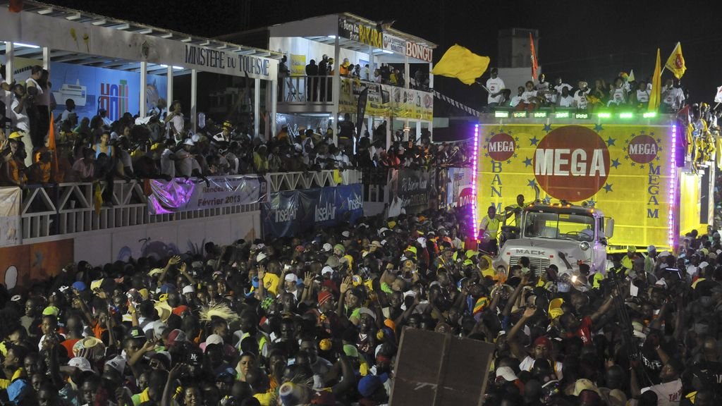 Mueren 18 personas en un accidente durante el carnaval en Puerto Príncipe