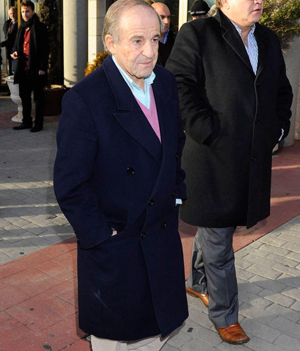 Despiden a Luis Aragonés en el Tanatorio de la Paz