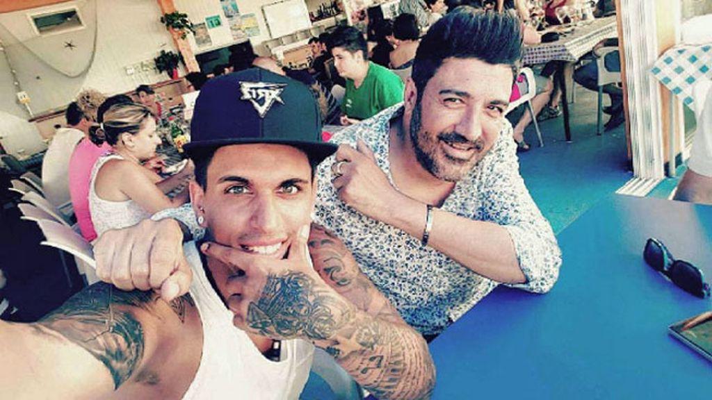 Xriz y Tony Aguilar lo pasaron bien juntos antes del concierto