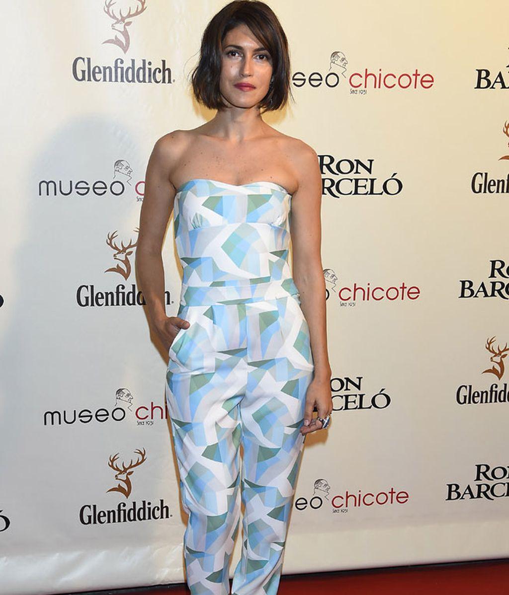 Nerea Barros, con un primaveral 'jumpsuit' y escote palabra de honor