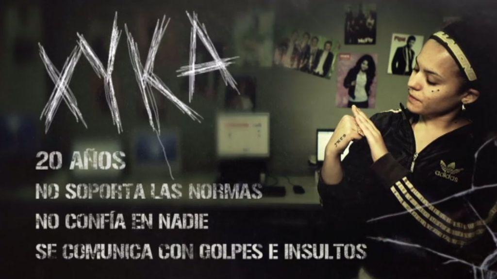 Xyka se comunica a golpes