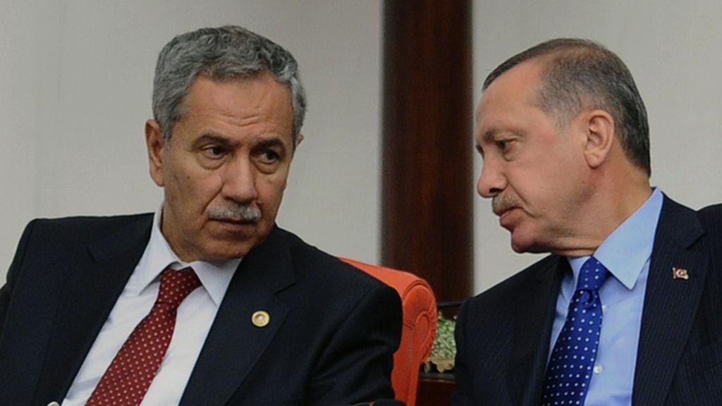 El viceprimer ministro turco cree que las mujeres no deberían reir en público