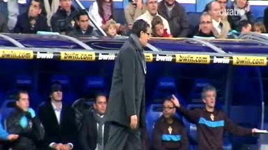 Un micrófono, para vivir el partido con Iñaki Alonso, técnico del Murcia