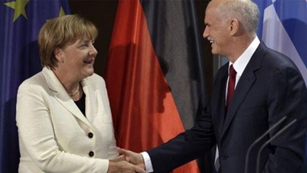 Papandreu y Merkel. Foto: Reuters.