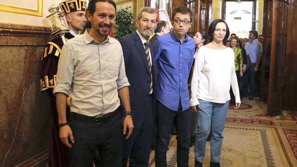 Pablo Iglesias, Julio Rodríguez, Íñigo Errejón y Carolina Bescansa, en el Congreso