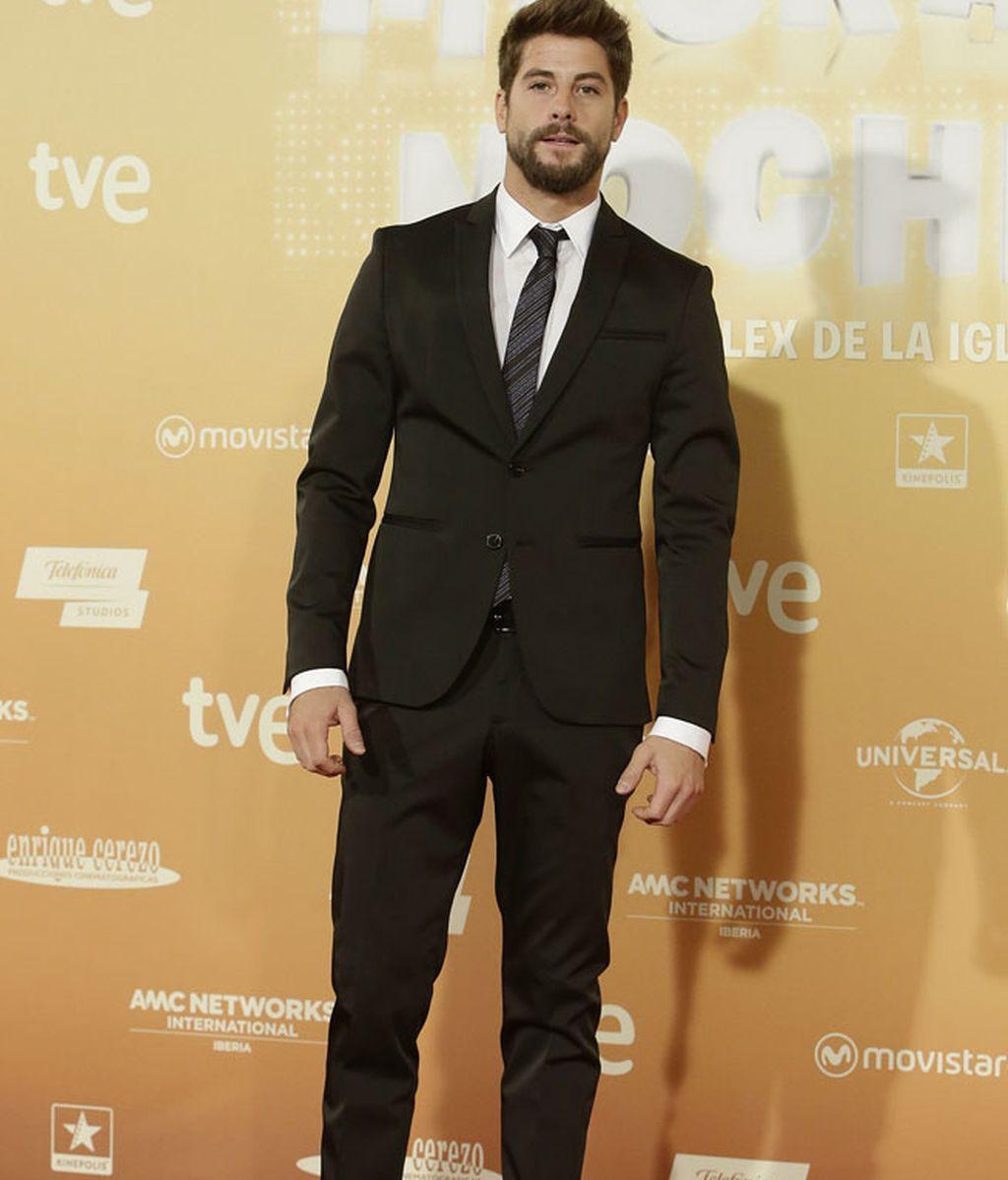 Luis Fernández y su traje clásico