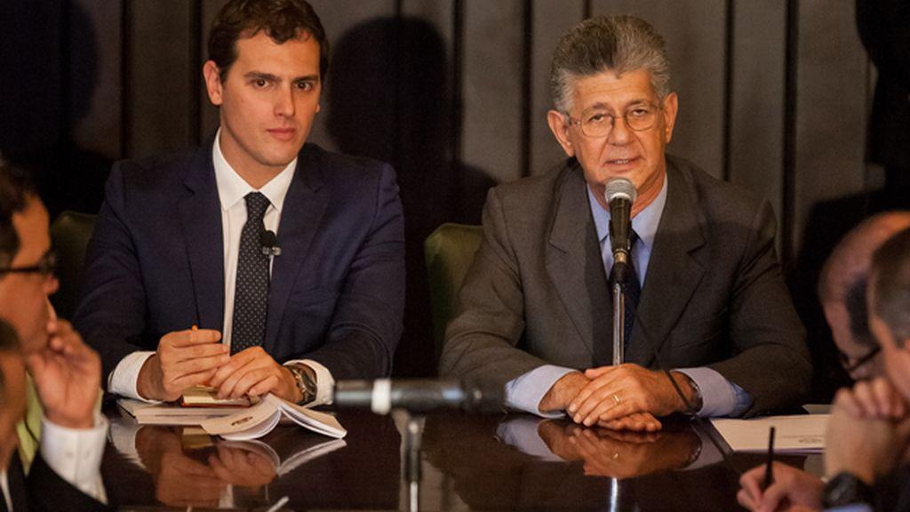 Rivera pide en Venezuela el referéndum revocatorio contra Maduro