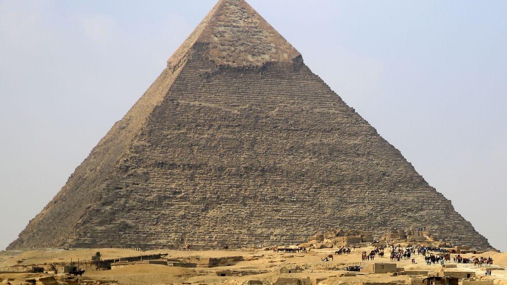 La pirámide de Keops, la más grande del complejo de las pirámides de Giza