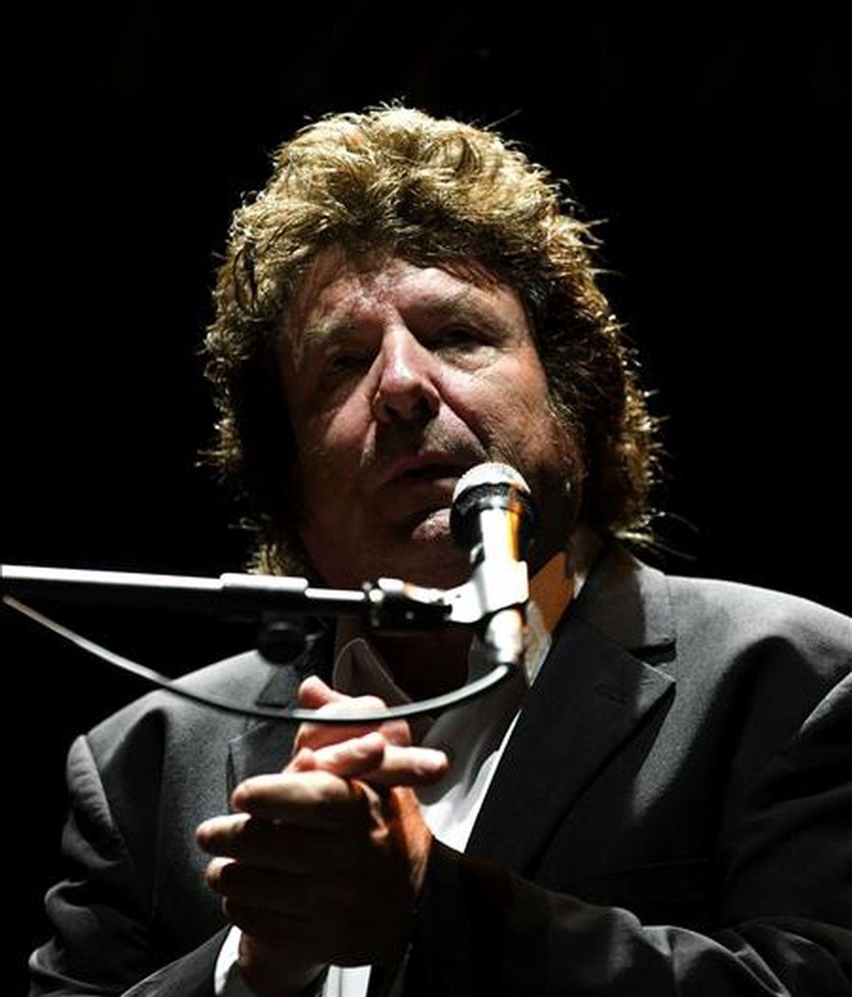 El cantaor granadino Enrique Morente, durante su actuación el pasado mes de agosto en el Festival Internacional del Cante de las Minas de La unión (Murcia). EFE/Archivo