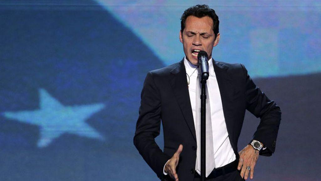 Marc Anthony cantó el himno nacional