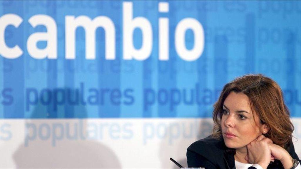 La portavoz del grupo parlamentario popular, Soraya Sáenz de Santamaría, durante el acto de clausura de la Convención de Autónomos del PP-A, celebrado hoy en Jerez de la Frontera (Cádiz). EFE