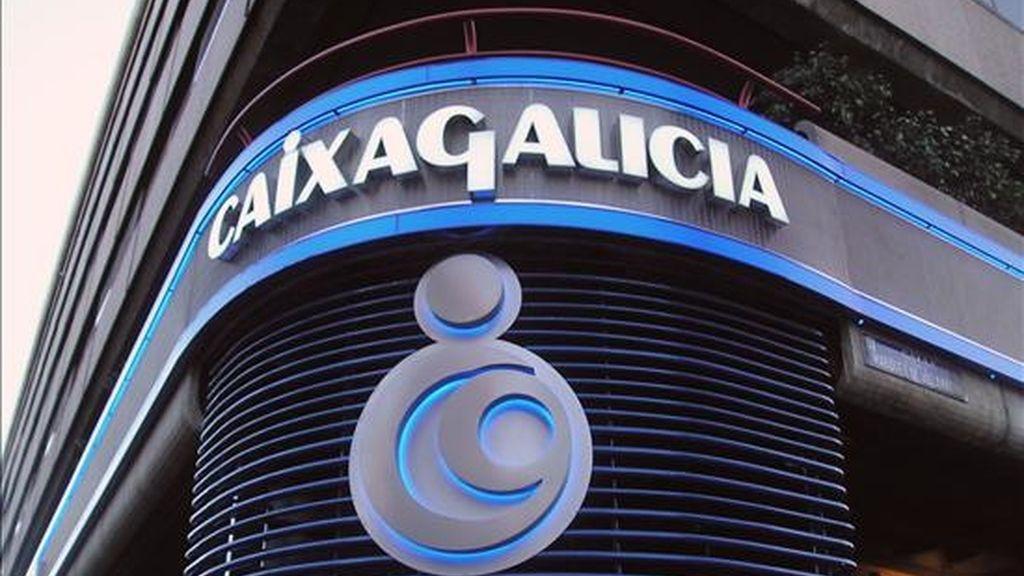Logotipo de Caixa Galicia en una sucursal madrileña. EFE/Archivo