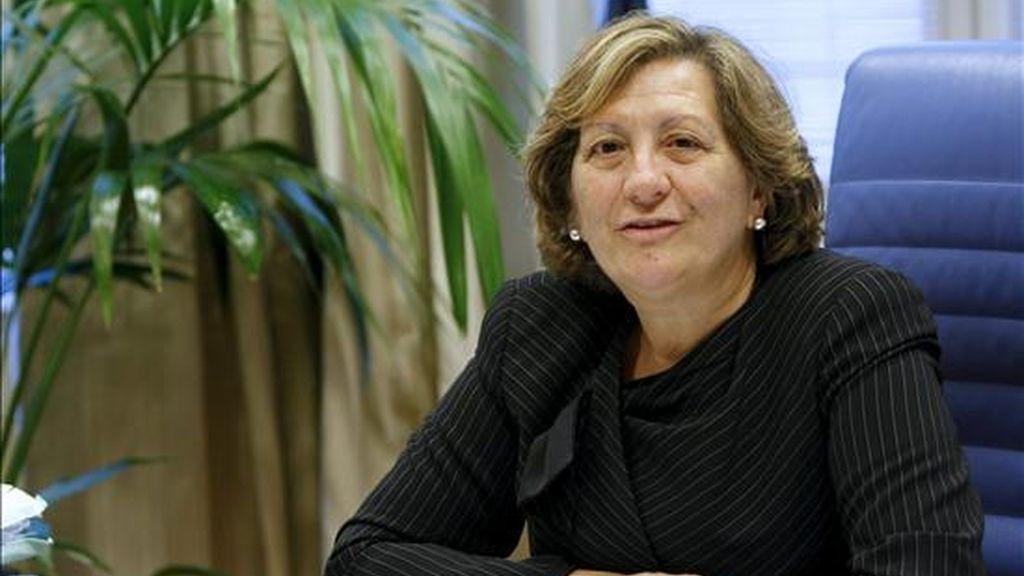 """La presidenta de la patronal de las aseguradoras españolas (Unespa), Pilar González de Frutos, en una entrevista con Efe, reconoce que el próximo año no será más fácil que el complicado 2010, ya que aunque el sector está superando """"muy bien"""" la crisis, las aseguradoras """"no pueden estar aisladas del resto de la economía"""". EFE"""