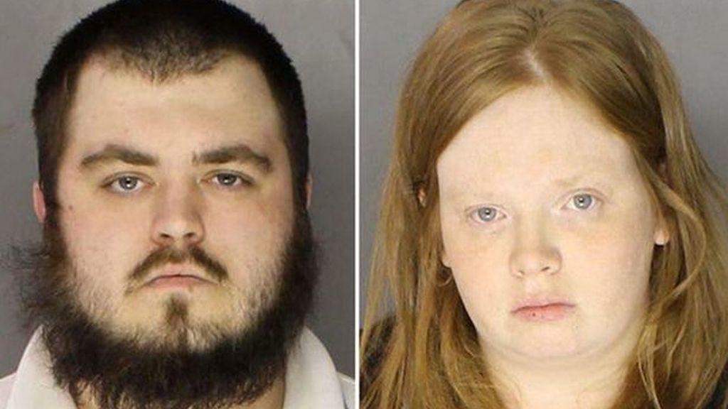 Una madre y su novio torturan a su hijo hasta la muerte