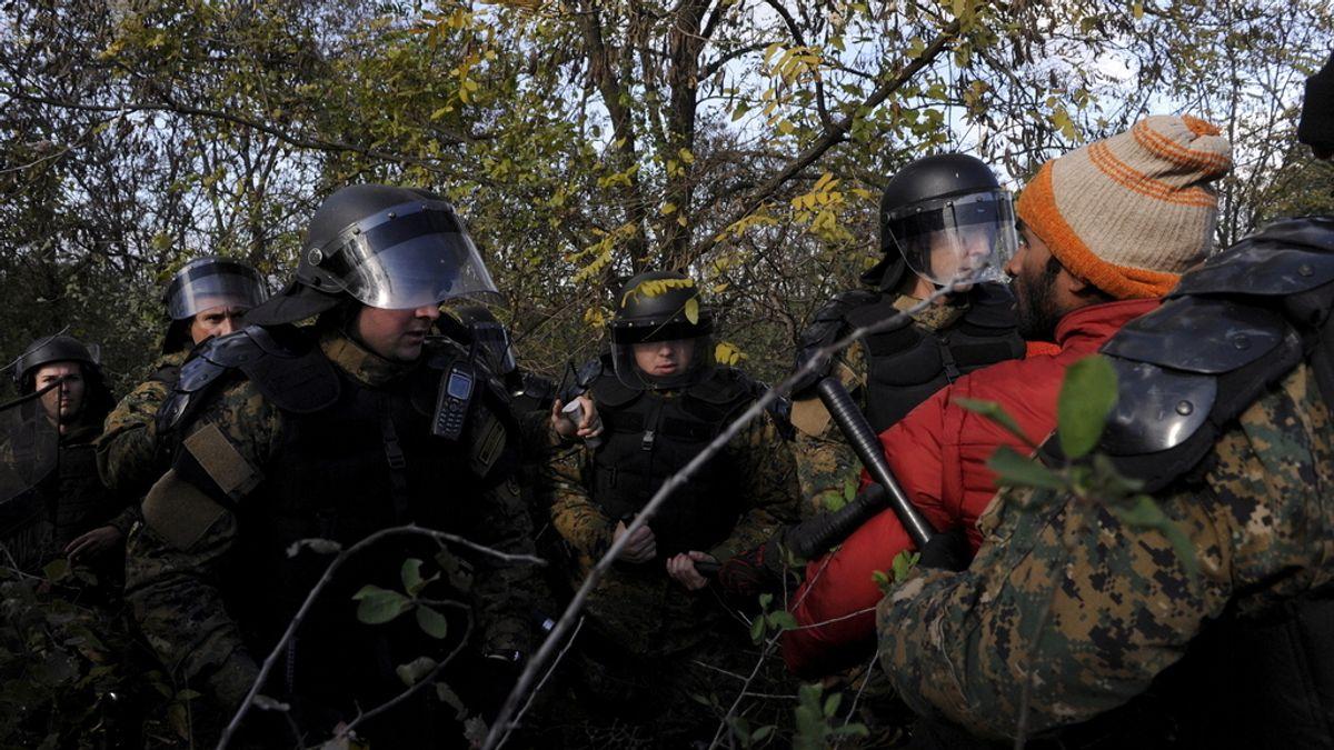 Inmigrantes en la frontera con Macedonia