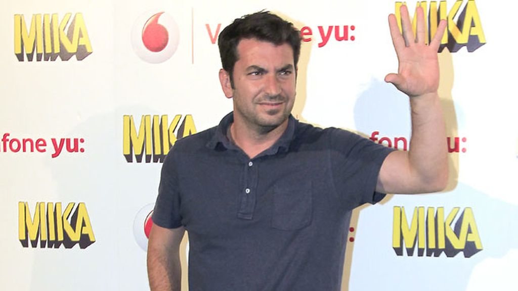 Arturo Valls optó por un look informal para disfrutar de la música de Mika