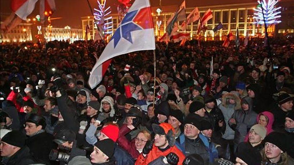 Partidarios de la oposición protestan el pasado 19 de diciembre en el centro de Minsk (Bielorrusia). EFE/Archivo