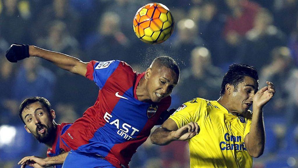 Morales tira del Levante ante Las Palmas