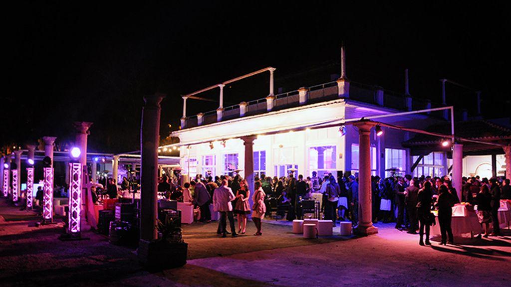 """El balneario de los baños de El Carmen fue el espectacular escenario elegido para la fiesta de """"Carmina y amén"""""""