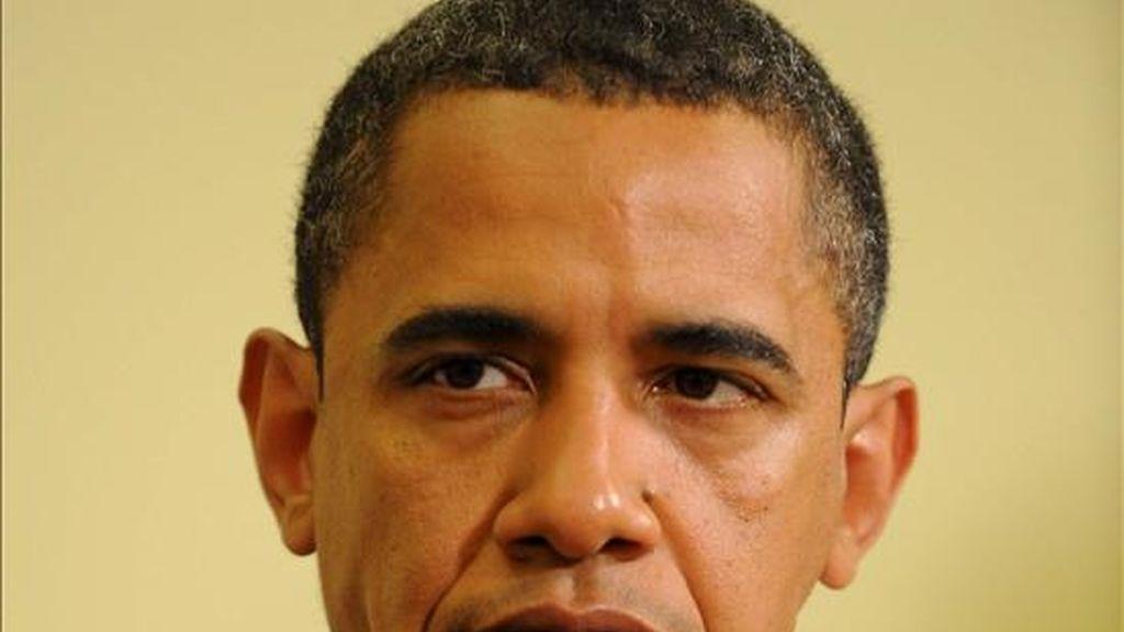 Obama se ha referido a la dificultad de dejar de fumar. Durante la campaña electoral a menudo se le vio masticando chicles de nicotina. EFE/Archivo