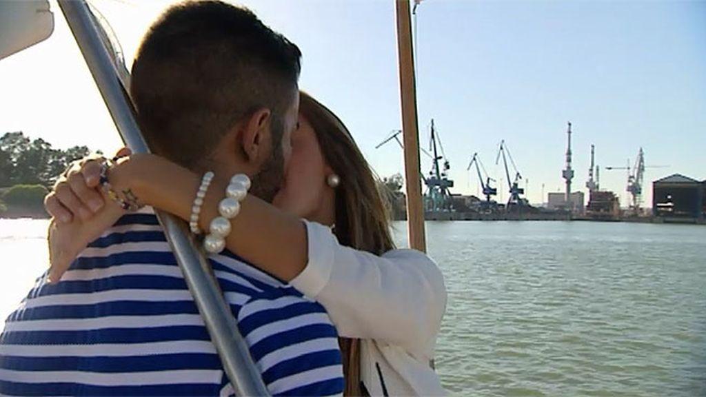Raquel se lanza en el baro y besa a Javi