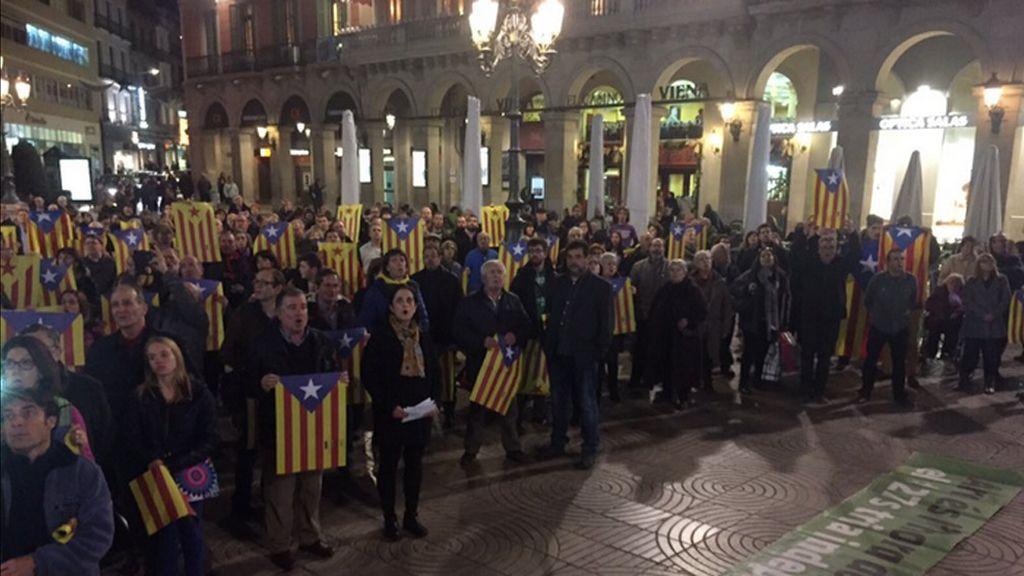 """Unas 1.000 personas piden en Barcelona """"un acuerdo"""" entre JxSí y la CUP"""