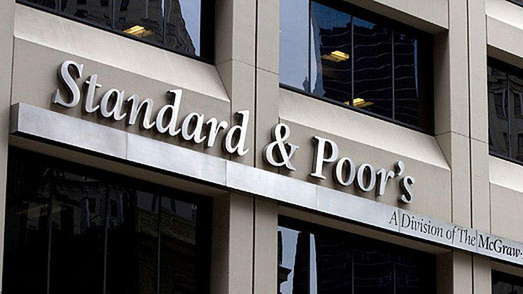 La agencia de calificación Standard & Poor's.