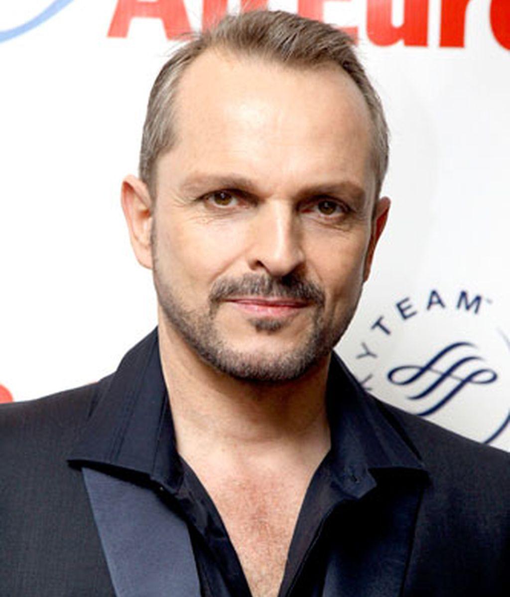 Miguel Bosé (54)