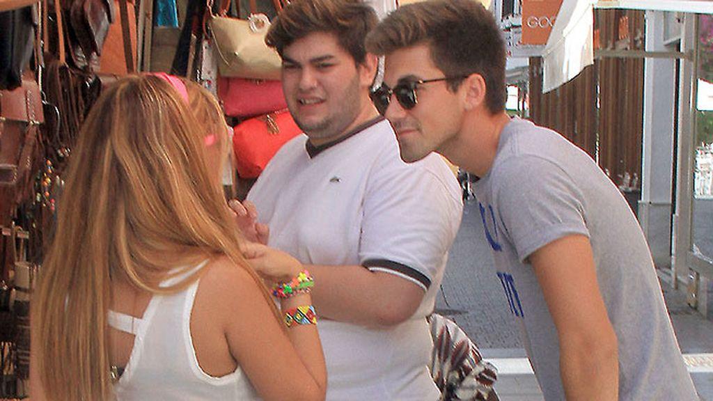 Chabelita le regaló una pulsera a Alberto