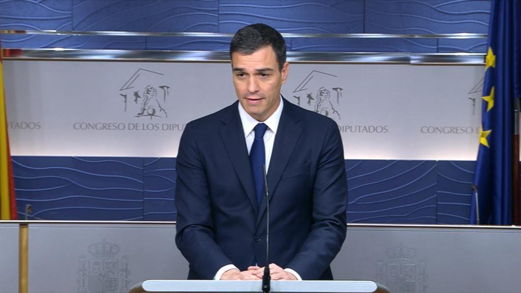 Pedro Sánchez ofrece una rueda de prensa tras la reunión mantenida con el rey