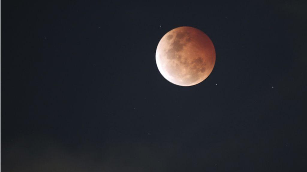 Espectaculares fotografías del eclipse total de Luna