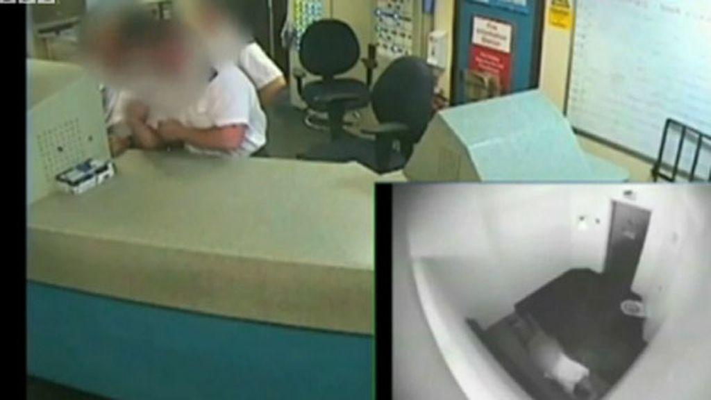 Condenan a tres policías por ver pornografía mientras moría un reo bajo su custodia