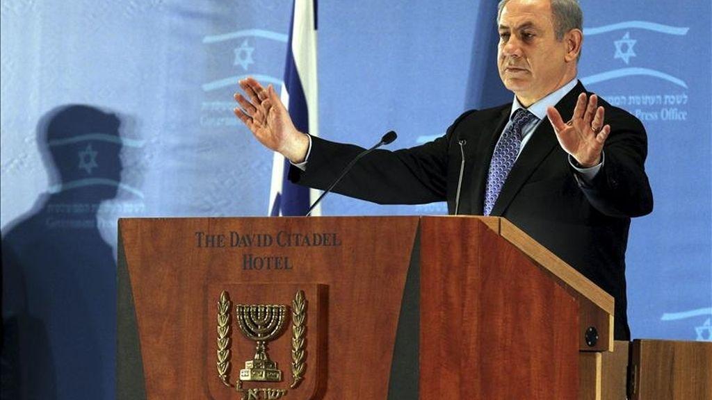 El primer ministro israelí Benjamín Netanyahu ofrece unas palabras durante un acto convocado por la asociación de periodistas extranjeros, en un hotel de Jerusalén, Israel. EFE/Jim Hollander