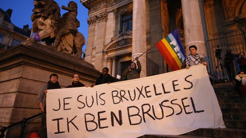 Noche de luto tras los atentados de Bruselas