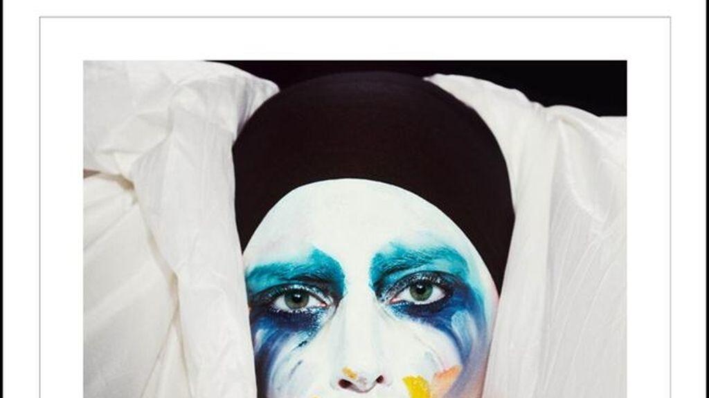 Lady Gaga presenta la portada de su nuevo single: 'Applause'