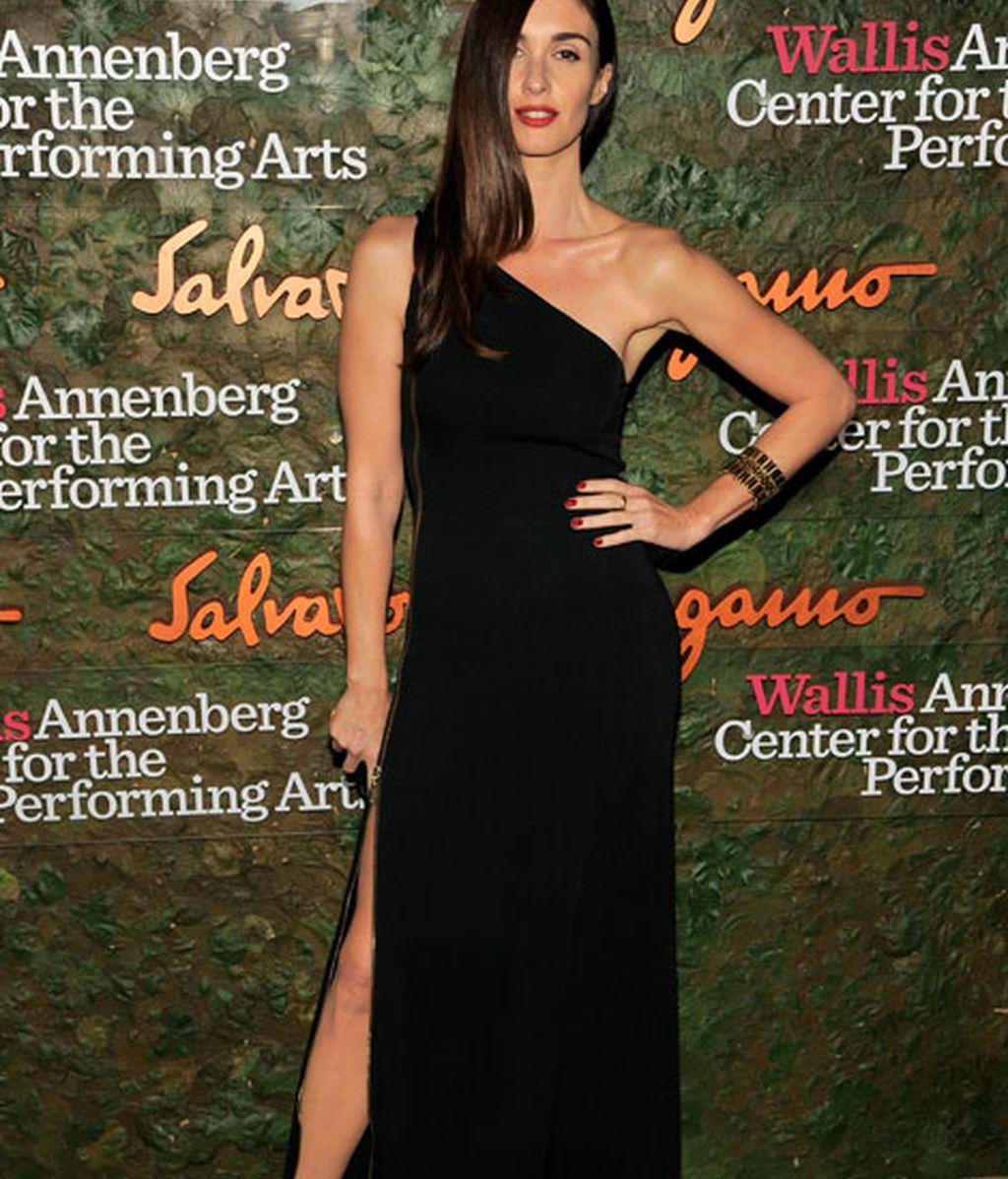 Paz Vega triunfó con un vestido negro de Salvatore Ferragamo