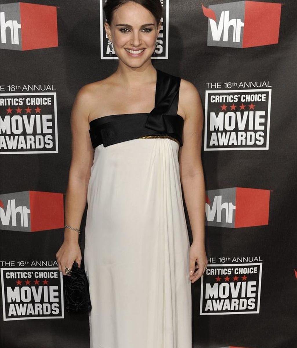 La actriz Natalie Portman posa a su llegada a la entrega de los Annual Critics Choice Movies Awards en Hollywood, Los Ángeles (EEUU). EFE