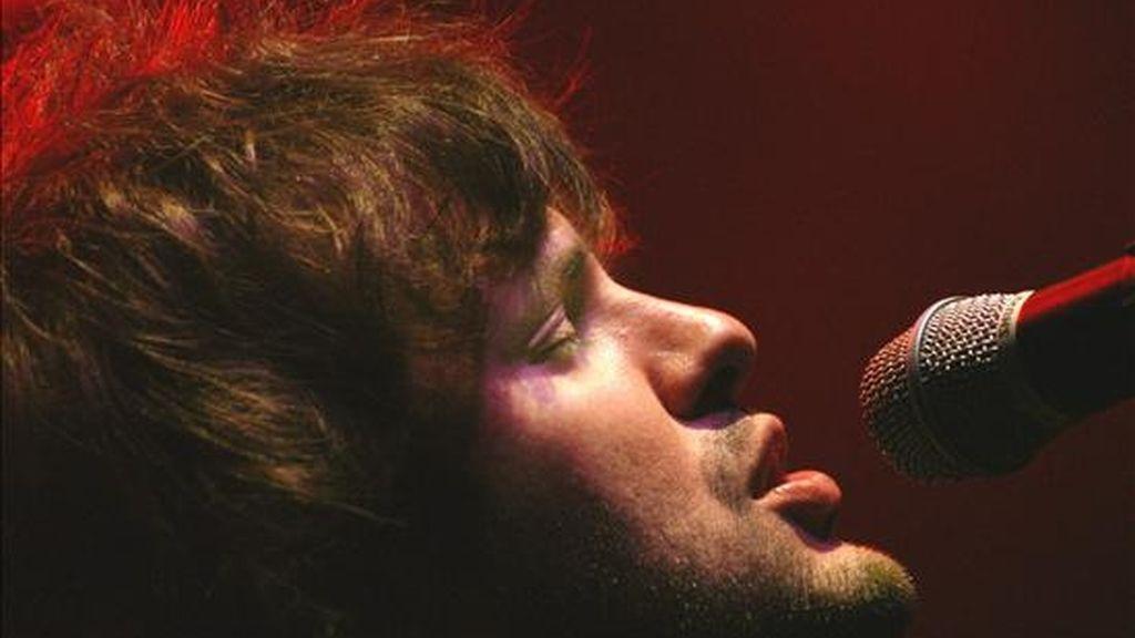 En la imagen el vocalista de la banda argentina de rock Los Piojos, Andrés Ciro Martínez. EFE/Archivo