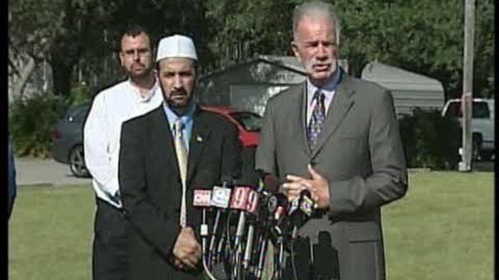 El reverendo de Florida vuelve a amenazar con quemar coranes