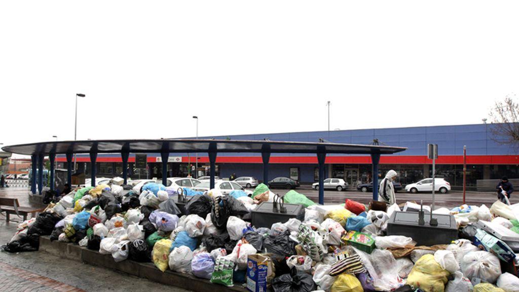 La huelga de basuras de Alcorcón, Madrid, cumple quince días