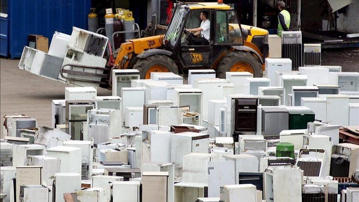 El peligro para la capa de ozono de reciclar ilegalmente las neveras. Vídeo: Informativos Telecinco.
