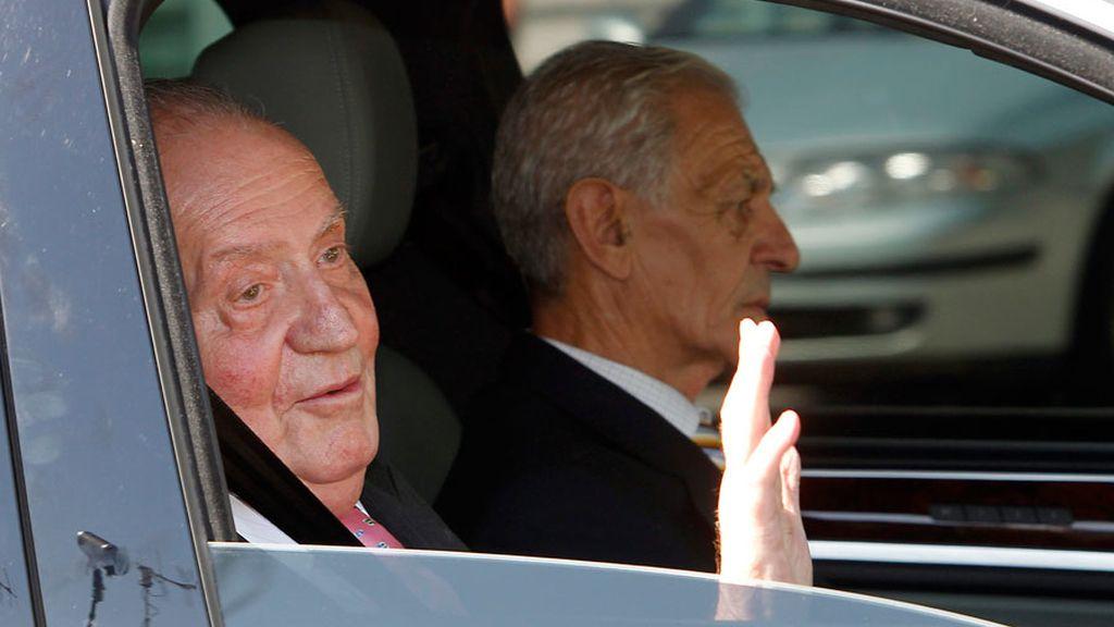 El Rey llega al hospital Quirón para se intervenido